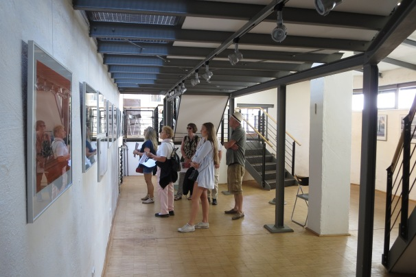 Visters in the exibition Stadt, Land, Fluss in Focus of Christian Kaiser in the Soutterain ander the Emporum