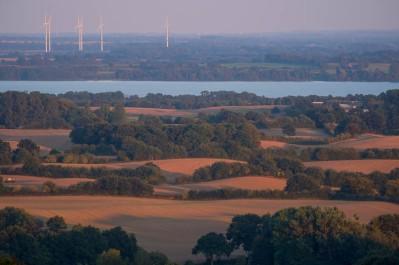 Knicklandschaft um den Wittensee Blick vom Aschberg nach Suedosten