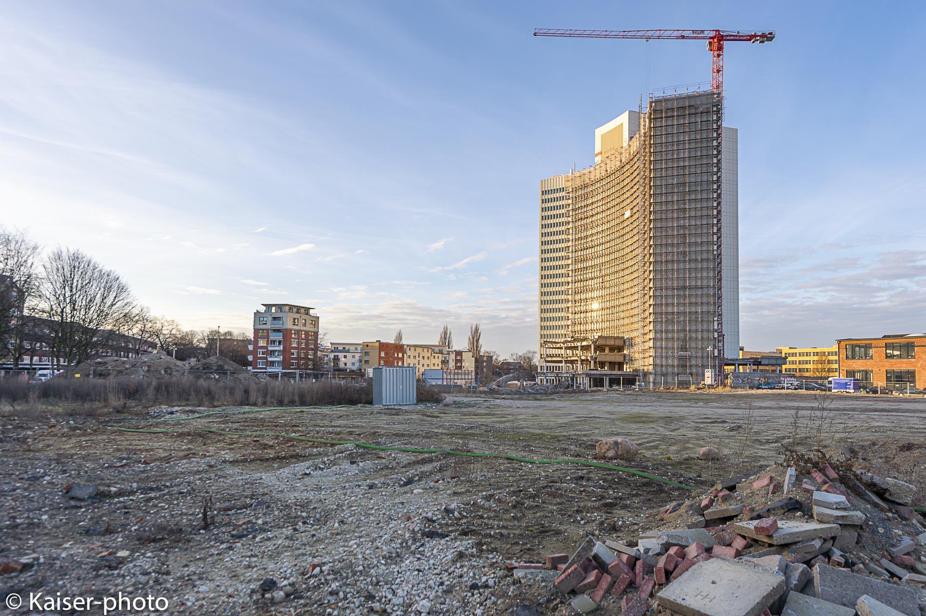 Rückbau von Euler-Hermes Hochhaus in Bahrenfed