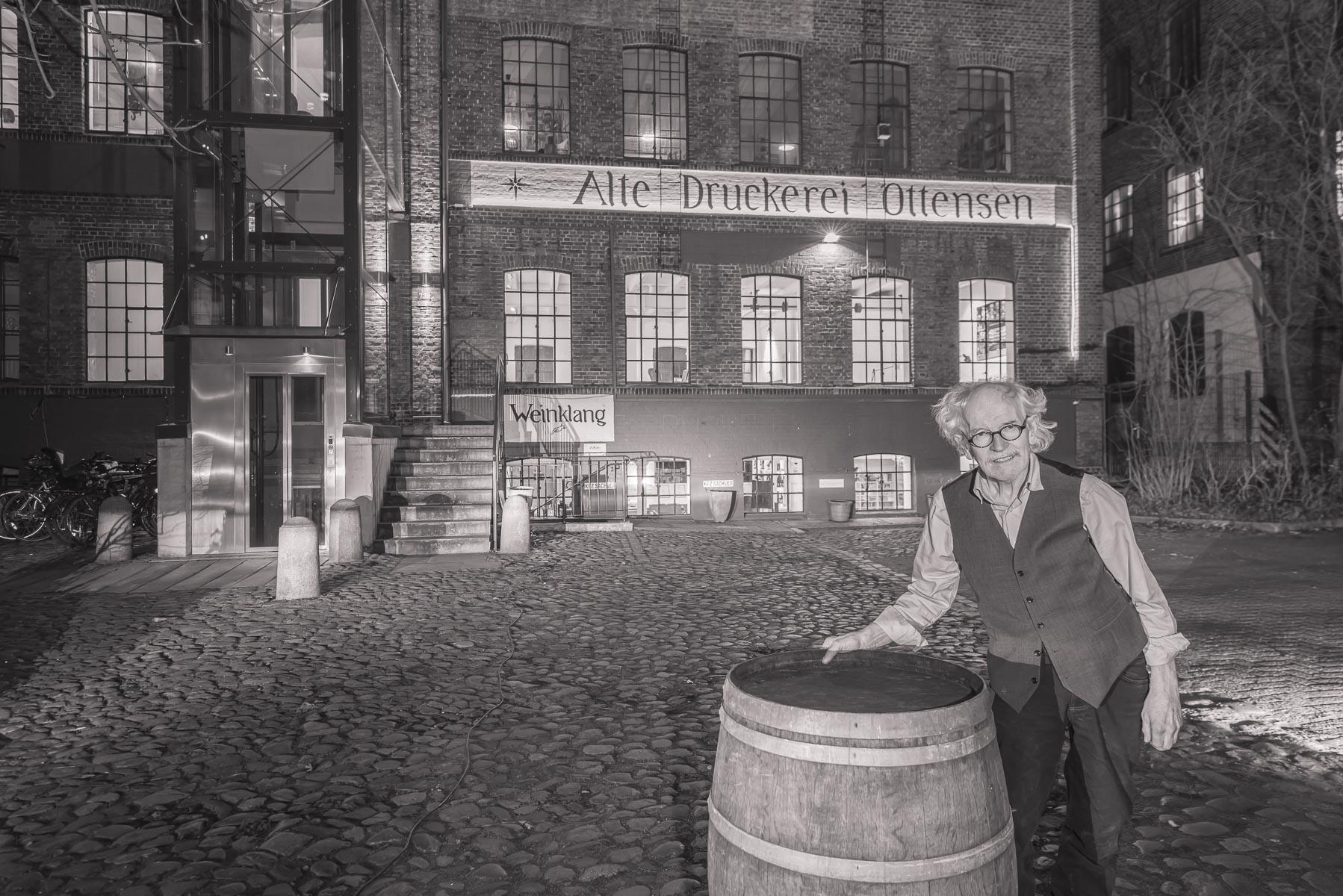 Direktor Weinklang und Alte Druckerei Prof. Dr Herbert Bruhn. Seit fünf Jahren bringt er das Gemäuer seines Großvaters zum Klingen