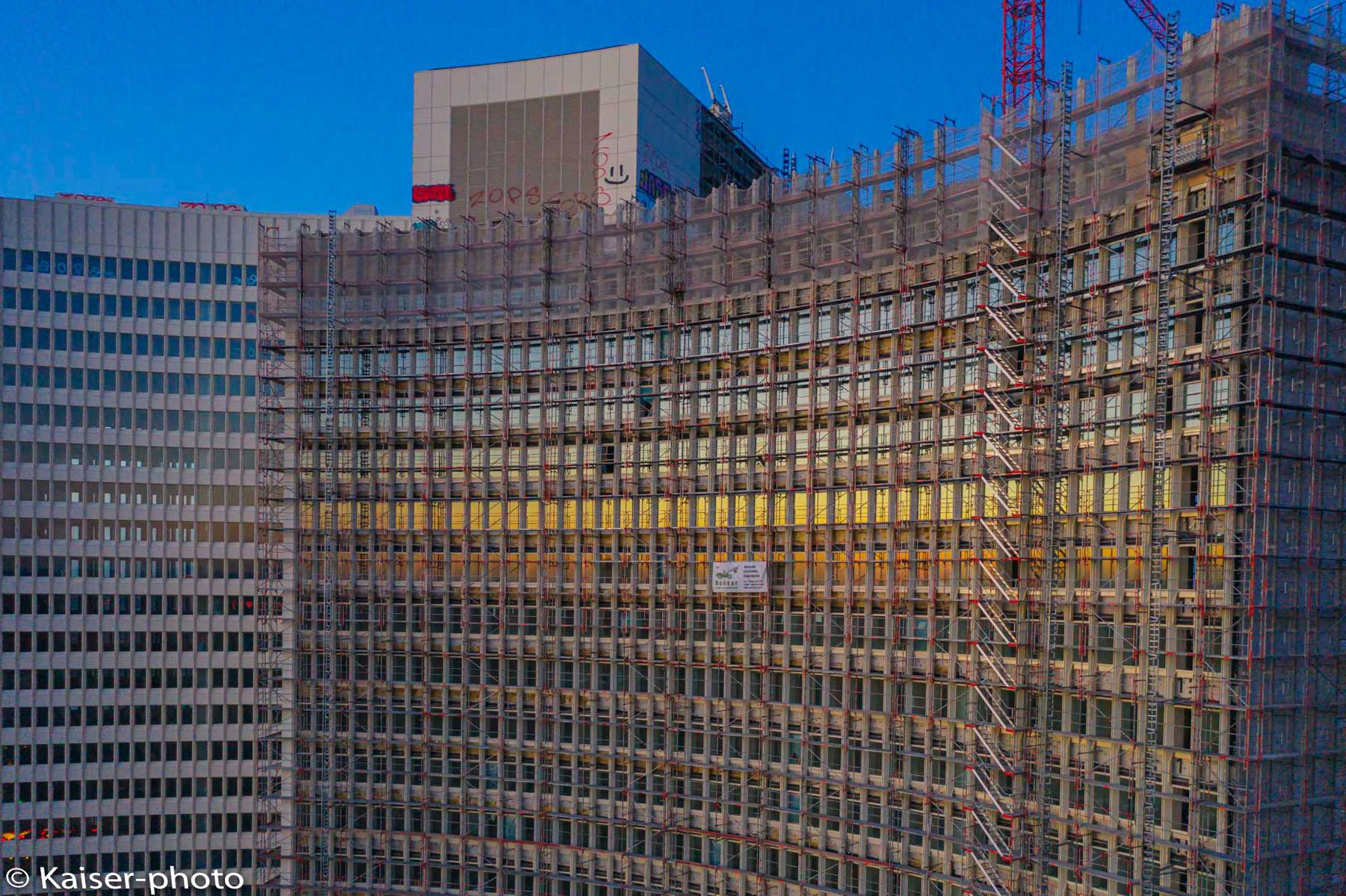 Betonbauten abzureißen ist aus energiepolitischer Sicht von Fachleuten ein doppeltes Übel