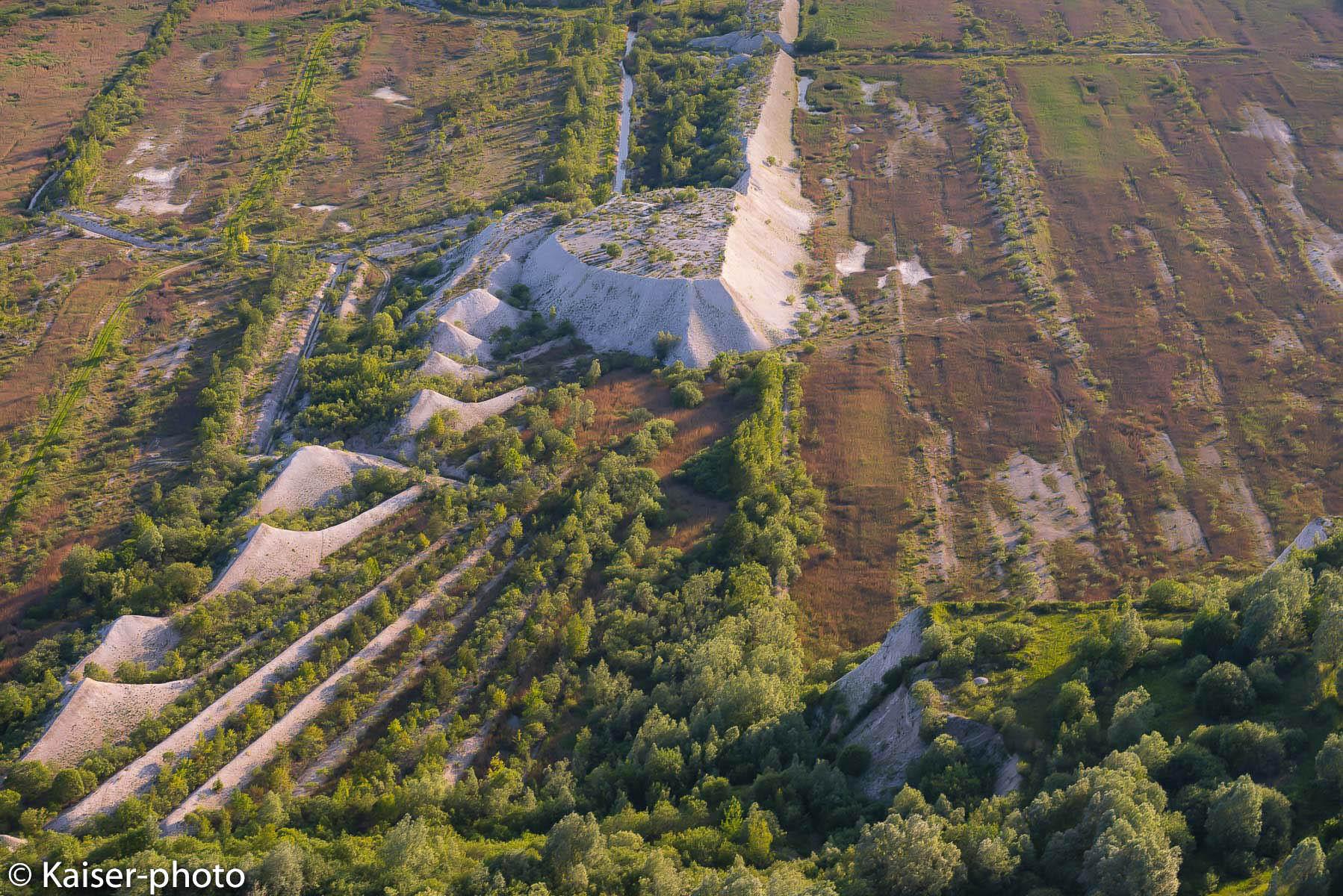 """Die Natur holt sich die aufgelassene Kreidegrube """"Saturn"""" der Firma Holcim AG Zement nach und nach zurueck"""