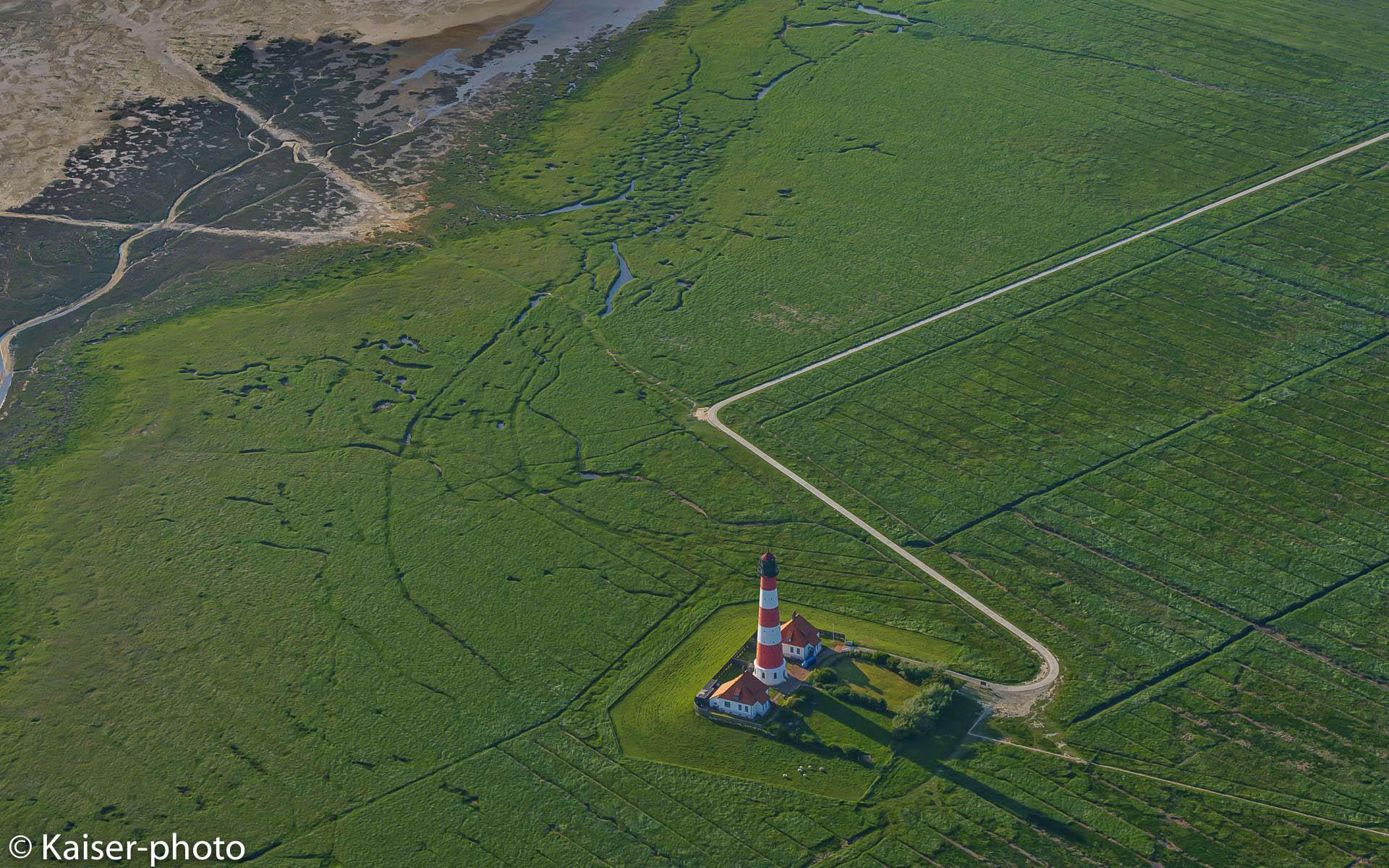 Westerhever, Leuchtfeuer, Lighthouse, Wahrzeichen, Leuchturm, Salzwiesen, Aufsicht, Luftbild,