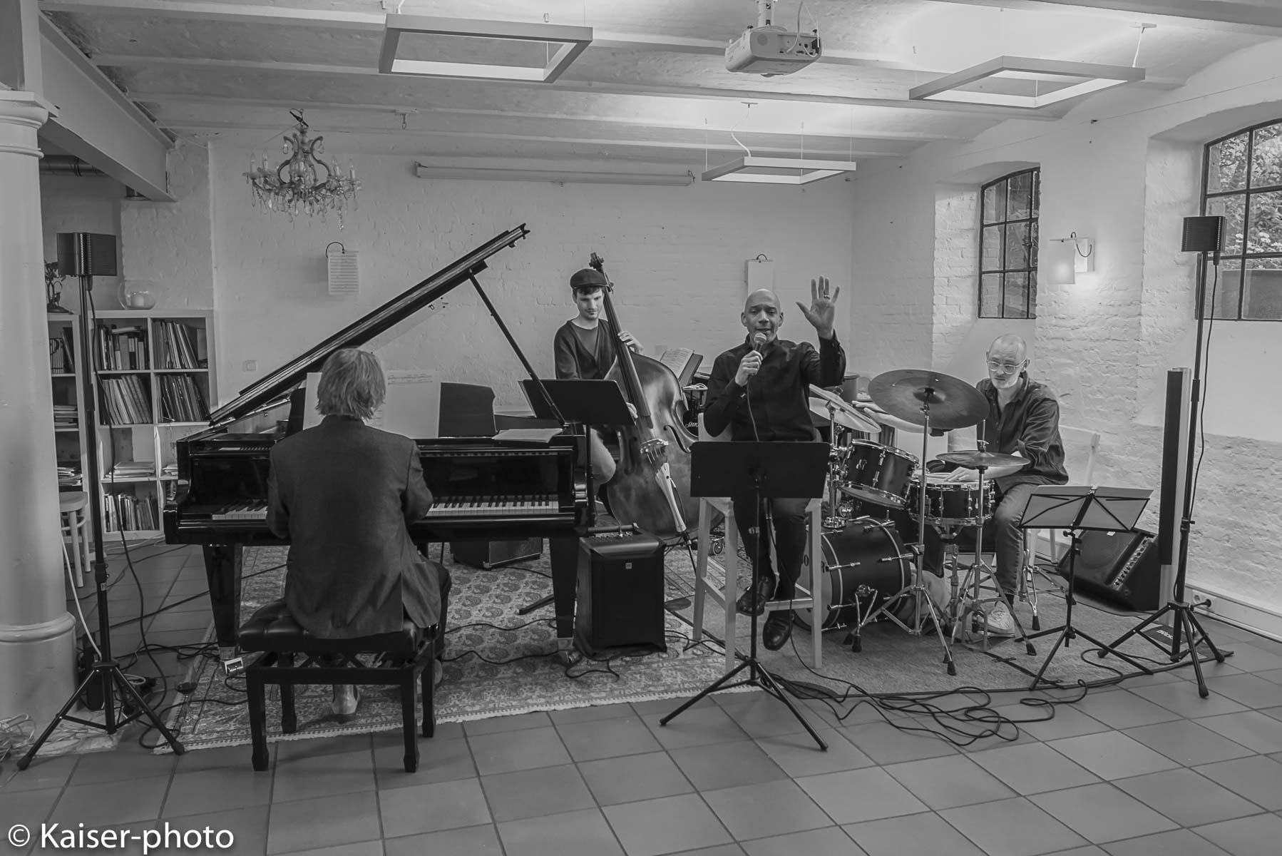 Buggy Braune Trio mit Ken Norris US Sänger